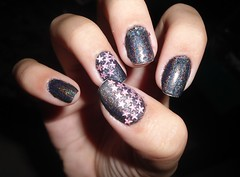 estrelas *---* (Calu Ermetici) Tags: pink black star nail estrelas preto nailart holografico holo capricho tumblr analoon
