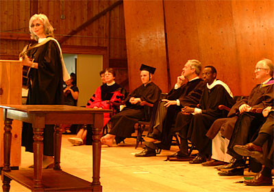 Emmylou Harris, Grammy-winning Country Musician, Sings to the Class of 2001, Flanked By VIPs