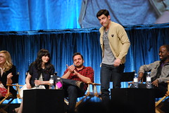 Zooey Deschanel, Jake Johnson, Max Greenfield,...