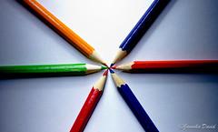 color pencils 2/2 (janoskadavid) Tags: blue light shadow red orange white david green pencil canon eos picture pentacon 1850 fény piros zöld fehér kék 550d árnyék narancssárga janoska