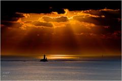 Pluie d'or (Ronan Follic) Tags: sunset sun mer lighthouse canon brittany bretagne breizh 7d pointe nuages phare raz coucherdesoleil finistere littoral pointeduraz pennarbed cornouaille capsizun pointedebretagne follic blueeyesphotography