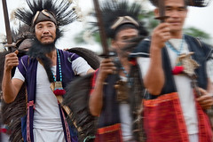 Arunachal Pradesh : Siang Valley, Adi Minyong tribe #8 (foto_morgana) Tags: people india asia tribal tribes adi ethnic minorities arunachalpradesh wardance indigenoustribes adiminyong eastsiang siangvalley tapuwardance yekshing