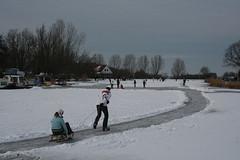 Un millón de holandeses patinando sobre hielo natural (dádiva) Tags: ice hielo patinajesobrehielo