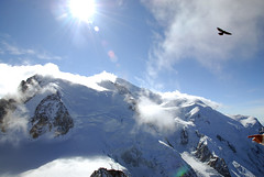 the eagle and the mont blanc (Lingzhi WU) Tags: france paragliding paysage chamonix lanscape montblanc merdeglace aiguilledumidi montenvers seaofice lingzhiwu