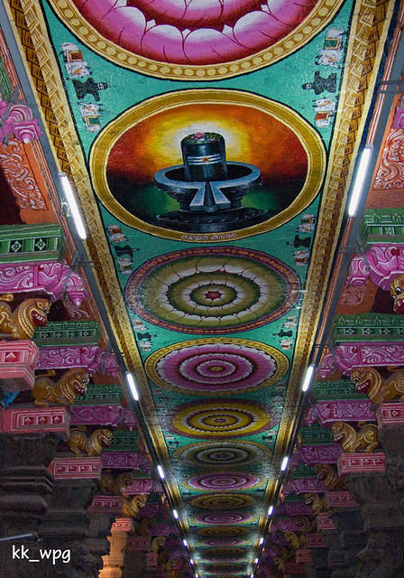 CEILING of MEENAKSHI SUNDARESWARAR TEMPLE (with flash), Madurai, Tamil Nadu, India