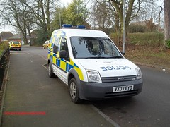 Staffordshire police ford transit connect patrol van. (policeambulanefire) Tags: blue two ford lights pier call police cage grill led yelp transit leds hilo van emergency staffordshire tone officer patrol connect 999 sirens wail bullhorn whelen strobes airhorn repeaters