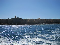 2 Harbours Cruise - 10 creeks in and around Sliema and the Grand Harbour of Valletta, Malta (29) (@CyprusPictures) Tags: ferry ramparts catamaran fortifications watertaxi harbourcruise sliema valletta grandharbour malteseboat cypruspictures latiniboat customsofficebuildings thulbornchapmanphotography