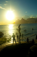 Capoeira in sunset (@giovanicordioli | gmcordioli@gmail.com) Tags: life sunset shadow brazil sol praia beach colors sport brasil riodejaneiro fun amazing awsome enjoy cirquedusoleil sunsetlovers
