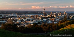 New Zealand - Auckland city from Mt Eden (My Planet Experience) Tags: new newzealand canon coast photo photographie auckland zealand nz northisland maori northland kiwi northern  neuseeland mounteden novazelndia oceania mteden nuevazelanda austral  mori nuovazelanda nouvellezlande  ocanie    monteden  ledunord  selandiabaru wwwmyplanetexperiencecom myplanetexperience
