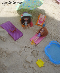 Pandora e Layla curtindo uma praia!!