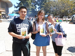 World Book Night Book Recipients @ Chabot College - April 23, 2013 - Hayward, California - 078 (Hayward Public Library) Tags: california reading libraries books literacy thelanguageofflowers cityofhayward 94541 haywardpubliclibrary vanessadiffenbaugh worldbooknight2013