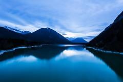 The blue lake... or the lake in the blue hour / El lago azul... (Sylvensteinsee / Sylvensteinspeicher) (Javiviendo (Javi)) Tags: longexposure blue lake azul lago bayern bavaria see blau baviera largaexposicin sylvensteinspeicher sylvensteinsee horaazul
