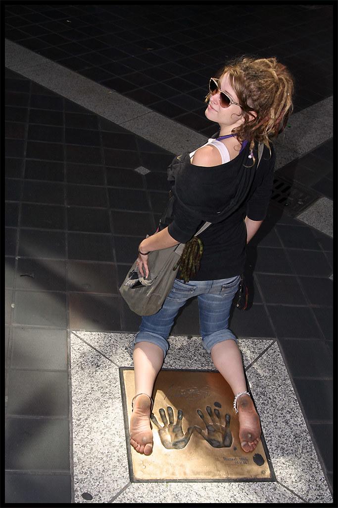 111715ae0417e6 Katja s dirty soles in the city (sunnystreets) Tags  street city feet  dreadlocks female