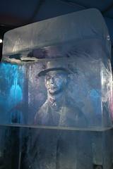 Eiskalt! (ugreeb2002) Tags: ice oslo canon norwegen skulptur icebar canonusers canoneos70d