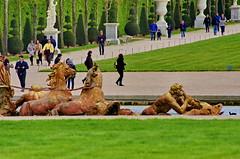 Versailles - 69 dans le parc du Chteau de Versailles (paspog) Tags: park france castle spring versailles april schloss avril chteau parc printemps castel frhling 2016