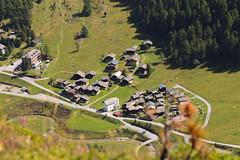 Blick auf Gruben (photoggigraphy) Tags: canon schweiz village outdoor haus alpine chalet wallis vogelperspektive gruben turtmanntal