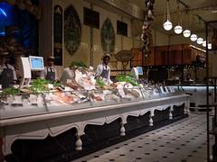 La poissonnerie chez Harrods (Dahrth) Tags: london raw harrods londres fishshop gf1 gf120 lumixmicroquatretiers lumixmicro43