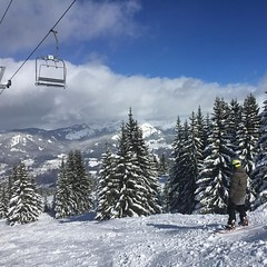Blue sky, fresh snow what an awesome day to be in Les Carroz!  #skiology #ski  #lescarroz #grandmassif #snow #winter #snowboarding #mountains (skiology) Tags: snow nature snowboarding outdoors skiing er snowing pow lessons 2016 lescarroz grandmassif