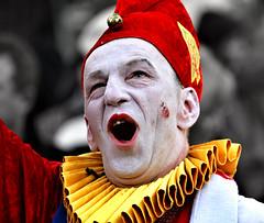 Helau!!! (Ubiodo) Tags: portrait man face canon germany eos gesicht clown 200 l mann 70 mainz f4 mütze umzug karneval fastnacht freude rosenmontag helau spas bemalt strase 550d fasenacht t2i