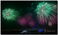 phao hoa 6 (HUONGBEO PHOTO) Tags: longexposure beautiful night fireworks rocket fullcolour phohoa mnh slowshutterphotography canon5dmark2 1000nmthnglonghni huongbeophotos