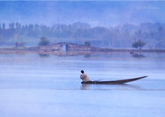 (*iris-hues*) Tags: road blue woman india mist lake man fog canon fishing boulevard photographer indian earlymorning traveller series srinagar processed textured kashmiri squatting shikara jammukashmir bluemist traditionalattire phiran eos7d glasslighthues gettyimagesindiaq4 glhartdecor onwoodenboat glahd