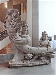 Nâga-balustrade du temple Preah Khan (musée Guimet)
