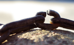 Breaking all chains (krissen) Tags: freedom chains dream link boja drom kedja weakestlink frihet breakingchains lnk fotosondag svagastelnken brytabojor fs120311
