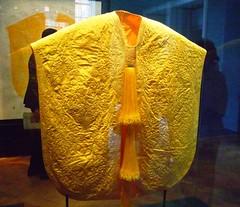 Golden Spider Silk Embroidered Cape (j a thorpe) Tags: london museum golden va cloak cloth exhibtion spidersilk goldenorbspidersilk