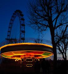 Flying soser (Thasan.S) Tags: lights londonnight