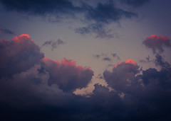 Tipped (Android9) Tags: blue light sunset red sky sunlight color nature clouds sunrise outside morninglight purple availablelight catchycolor cloudscape pinks neoncolors canonphotography canon24105l naturalphotography canon40d inlovewithlight