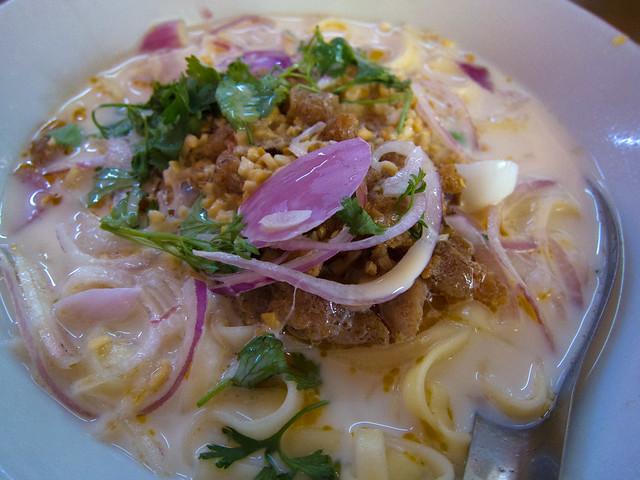 Oh No Khao Swe (Coconut Milk noodles)