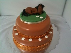 Birthday cake with horse figure (Kageting.dk) Tags: cake chocolate caketopper modelling kage fondant fdselsdagskage sugarmodelling