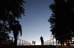 Ibirapuera footbridge again (Carlos Alkmin) Tags: blue brazil sky black color colour building art silhouette azul brasil skyline night contrast advertising photography dawn photo mac nikon loneliness foto photographer crossing saopaulo image footbridge dusk céu junction human sp pedestrians noite editorial ibirapuera vilamariana concept prédio fotografia solidão imagem digitalphotography imagebank passarela stockphotography silhuetas pedestre parqueibirapuera museudeartecontemporânea iluminacao stockimage carlosalkmin ligação detran brazilbynight