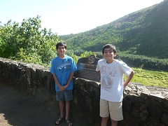 Noah and Nathan George Kauai 2011 (attn.jake) Tags: noah hawaii george 2011 kauaibeach kauaibeachresort attnjake noahnathanvisitkauaibeach noahnathangeorgeatkauaibeachresort