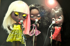 NICKI MINAJ e backing vocal