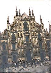 Duomo di Milano (sftrajan) Tags: italien italy milan architecture facade arquitectura italia cathedral milano gothic cathdrale duomo fachada  architettura italie faade fassade miln duomodimilano  mailand facciata architektura  itlia milancathedral mailnderdom voorgevel catedraldemiln  dmedemilan domvanmilaan itaia itglia