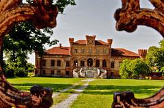 Castello di Marene (bormanus_sv) Tags: italy parco italia gothic piemonte 1850 gotico abbandono incuria neogotico ottocento stileneogotico villadimarene