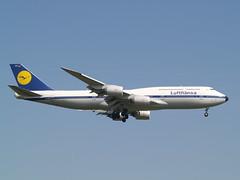 Lufthansa (uwe_gompf_66) Tags: lufthansa boeing 747830 retro 25l flughafen frankfurtmain airport dabyt