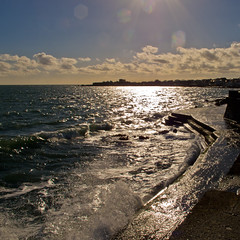 towards the forty foot (glasnevinz) Tags: ireland sea dublin sandycove fortyfoot dunlaoghaire