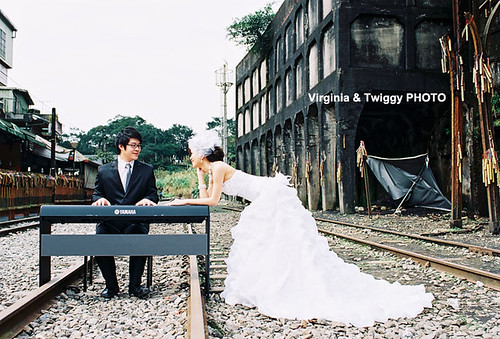 Film x Lomo Pre-Wedding Photo- Daniel & Crystal*3