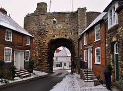 Rye in the snow! (soulman53) Tags: old uk winter england clock architecture town arch historic rye clocktower archway february eastsussex 2012
