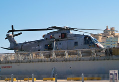 Merlin Helicopter (albireo2006) Tags: sea wallpaper chopper mediterranean background navy somerset malta helicopter merlin westland helo valletta royalnavy navalaircraft grandharbour v18 agustawestland hmssomerset westlandmerlin zh852 agustawestlandeh101111merlinhm1 valletta2018