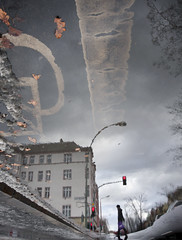 (atomareaufruestung) Tags: winter cold berlin wet rain weather puddle grey trafficlight crossing upsidedown invierno february regen gwb prenzlauerberg kreuzung 2012 pftze guessedberlin gwbhcl arnimplatz
