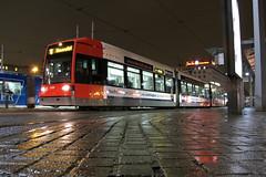 BSAG 3109 [Bremen tram] (Howard_Pulling) Tags: station night canon germany dark deutschland photo nightshot gare howard picture tram hauptbahnhof german bremen february pulling trams strassenbahn 2012 bombardier g12 bsag 3109 bremenhbf linie6 flexityclassic