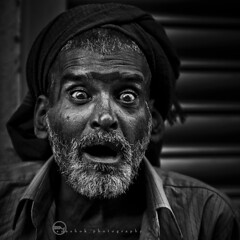 O | expressiOn (ayashok photography) Tags: street portrait people india man look nikon market expression madras streetphotography streetlife oldman streetphoto chennai tamilnadu parryscorner parrys nikkor85mm oldmadras ayashok nikond300 eidparry dsc8014copy