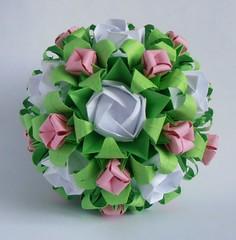 Kawasaki roses on Electra (_Nikusha) Tags: modular electra kusudama kawasakirose toshikazukawasaki