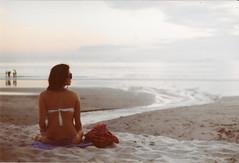 olha pro cu meu bem, ... (~gciolini) Tags: sunset brazil sky color mamiya film praia beach colors girl brasil analog cores lomo areia mulher negative sp moa 100 filme menina luisa horizonte analogic maita gciolini