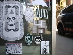 Police Car (FLATTIRON / ISCE) Tags: barcelona street art arte bcn stickers police urbano niko pegatinas jams urba raval combos gotic barri flattiron