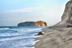 My Lonely Island - Niijima Coast at Sundown (Sprengben [why not get a friend]) Tags: niijima coast rock