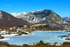 Castel San Vincenzo con il lago ghiacciato (Gizzy28) Tags: winter snow lago inverno molise mainarde svincenzo castelsvincenzo altovolturno gizzy28